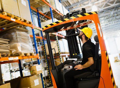 Wózki paletowe z wagą – szybkie przewożenie i ważenie towarów